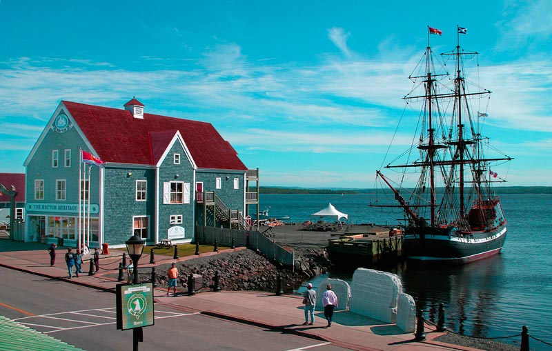 Hector Heritage Quay Interpretive Centre and the Ship Hector