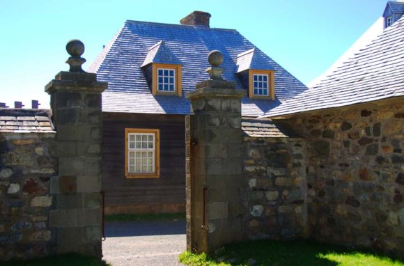 Fortress-of-Louisbourg-gate