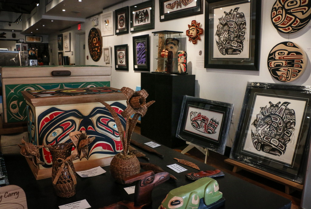 Skwachays Lodge gallery