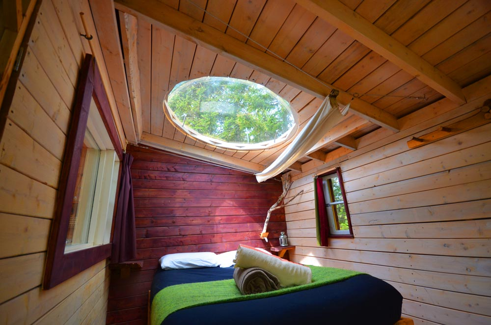 Canopée Lit dome window treehouse